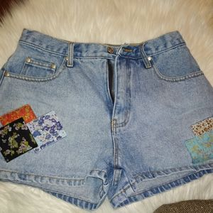 💙Vintage High Waisted Patchwork Jean Shorts💙